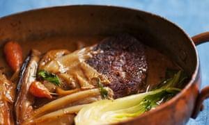 Braised steak, sake and shallots