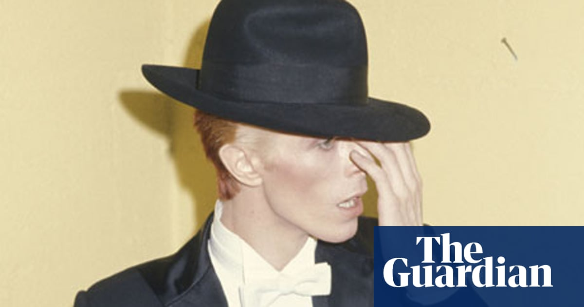 b6a84d9ac David Bowie: eight classic looks – in pictures | Fashion | The Guardian