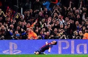 Barcelona v Milan: David Villa celebrates scoring