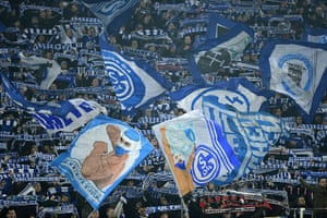 schalke: Schalke 04 fans cheer