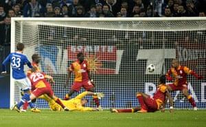 schalke: Schalke's Roman Neustaedter scores