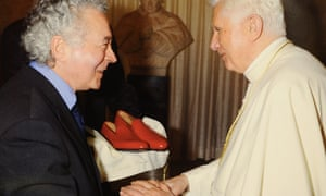 When Pope Benedict XVI stepped down he had to hand back his distinctive red papal shoes. They, and many other shoes worn by different popes over the years, are the work of Italian shoemaker Adriano Stefanelli (left).