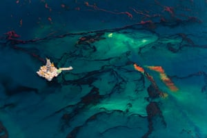 Landscape photography: Oil Spill, 2010