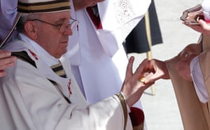 Inaugural Mass: The Fisherman's Ring is placed on the finger of Pope Francis