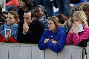 Inaugural Mass: People listen to Pope Francis' homily