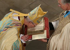 Archbishop enthronement: Justin Welby kisses the Canterbury Gospels