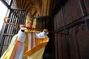 Archbishop enthronement: Archbishop of Canterbury strikes three times on the West Door