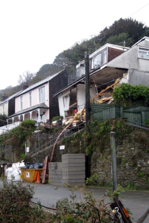 The collapsed Veronica flats on Sandplace Road, Looe, Cornwall, on 22 March 2013.