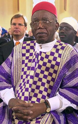 Chinua Achebe gallery: Chinua Achebe 2002