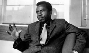 chinua achebe obituary books the guardian chinua achebe