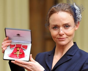 Fashion designer Stella McCartney has been honoured with an OBE (Order of the British Empire) at Buckingham Palace today.