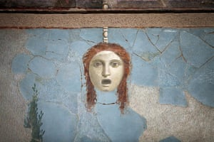 Life and death in Pompeii: Decapitated woman