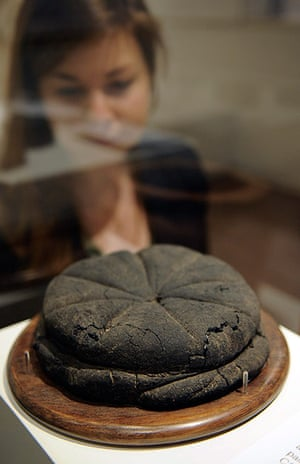 Life and death in Pompeii: Loaf of bread