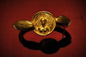 Life and death in Pompeii: Golden snake amulet