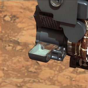 A month in Space: First Curiosity Drilling Sample in the Scoop