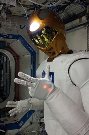 A month in Space: Robonaut 2, the first humanoid robot in space