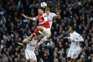 Tottenham v Arsenal: Giroud and Dawson