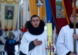 Easter Sunday: Belarusian Roman Catholics take part in a procession