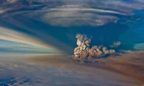Grimsvotn volcano erupts in Iceland in 2011