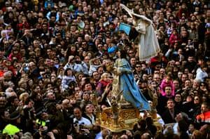 Easter Sunday: Celia de La Vega during the Descent of the Angel ceremony in Tudela