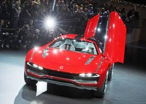 Geneva motor show: Giugiaro Parcour XGT-Coupe concept car