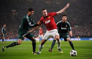 Man Utd v Real Madrid: Varane and Van Persie tussle