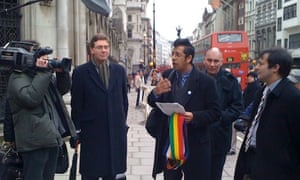 Simon Singh outside the Royal Courts of Justics