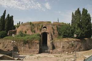 Readers' 10: The Mausoleum of Augustus