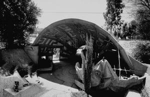 Paolo Soleri: Paolo Soleri's workshop at Cosanti, Arizona
