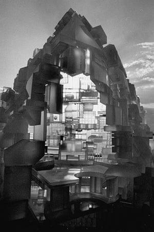 Paolo Soleri: Xehaedron housing city model