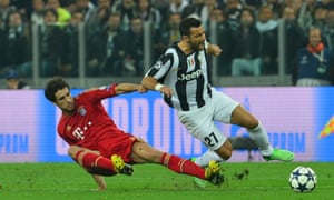 Juventus' forward Fabio Quagliarella and Bayern Munich's Javi Martínez: