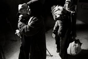 Giles Duley: Syrian refugees reach Jordan