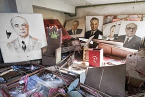Chernobyl exclusion: Abandoned political paintings at the Pripyat theatre