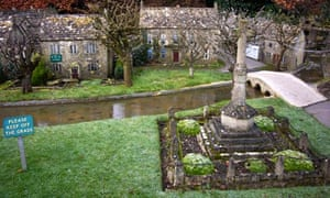 Bourton-on-the-Water model village