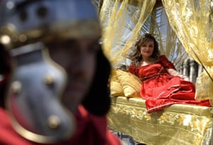 The birth of Rome: People belonging to historical groups ma