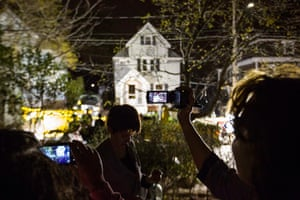 Boston bombings timeline: Neighbors use cameras to record images of the boat where Tsarnaev hid