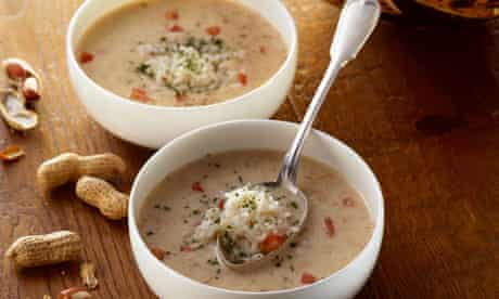 Peanut soup with rice