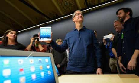Tim Cook unveils iPad mini