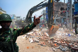 Building collapse: Bangladeshi Army personnel assist in res