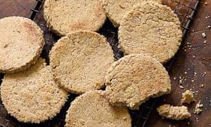 Hugh Fearnley-Whittingstall's oatcakes