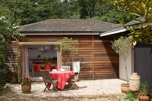 Isle of Wight cottages: The Blue House, Gurnard, Isle of Wight