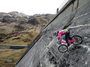 Adam Flint rides on the Lawers Dam