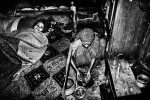 Bangladesh Factories: Preparing supper