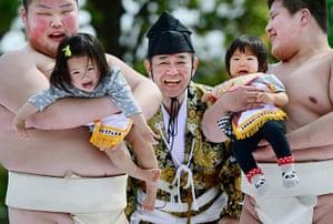 Nakizumo Festival: Nakizumo Crying Baby Festival in Tokyo