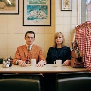 big pic - mods : mod couple sitting in cafe with cups of tea