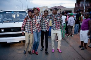 Izikhothane - in pictures: Izikhothane young people in pictures Izikhothane young people in pictures