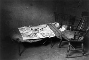 Thurston Hopkins: Slum