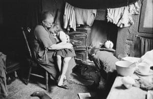 Thurston Hopkins: Liverpool Slum Interior