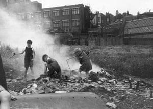 Thurston Hopkins: London Playground
