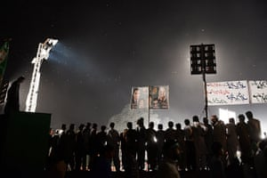 24 hours in picture: Supporters of the former Pakistani Prime Minister